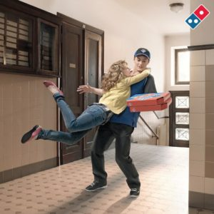 livrare de pizza la domiciliu