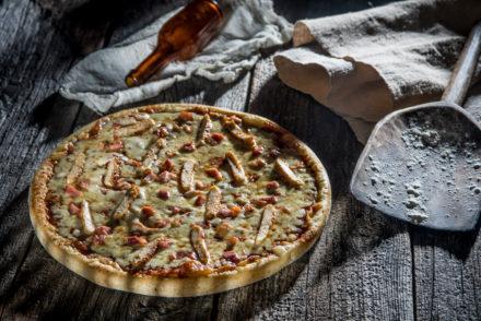 pizza cu bacon